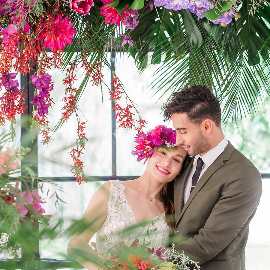 mariée tropical rose gold